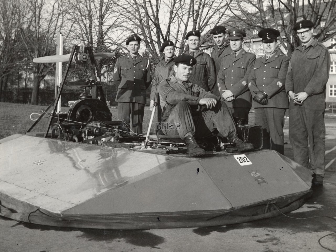 3 Carabiniers LAD (Light Aid Detachment) with hovercraft, December 1966.
